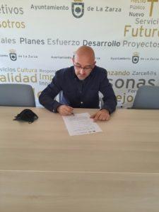 Alcalde de La Zarza firma adhesión a la Estrategia Iberoamericana de Turismo Rural articulada por IBEROATUR